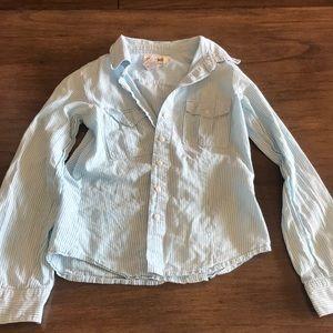 Super cute Cherokee button down blouse!
